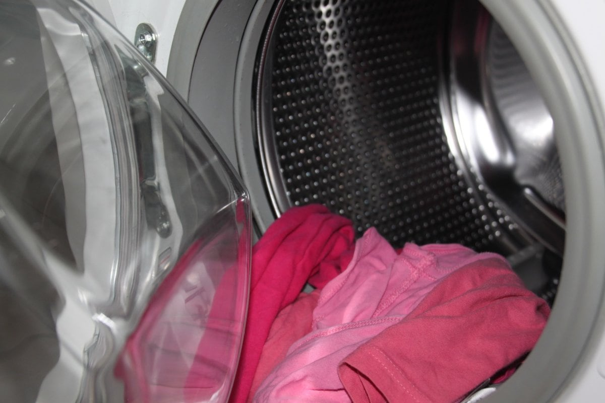 Wasmachine Met Roze Kleren