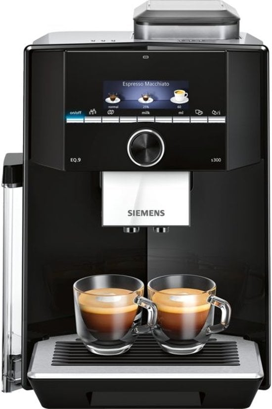 Siemens EQ9+ TI923309RW met twee kopjes koffie
