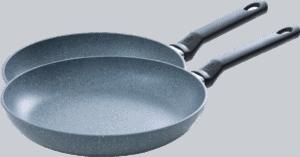 Koekenpannen zij-aanzicht