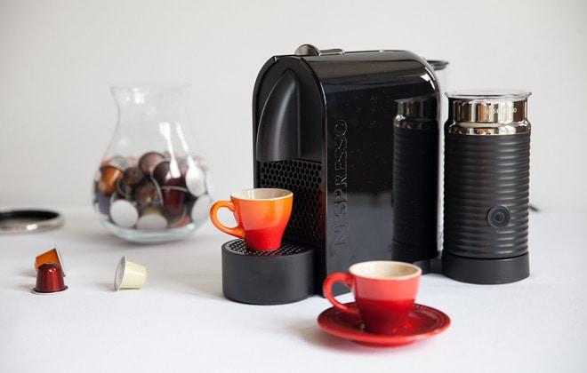 Nespresso met accessoires vooraanzicht