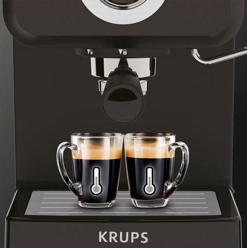 Kopjes Koffie oner Krups machine