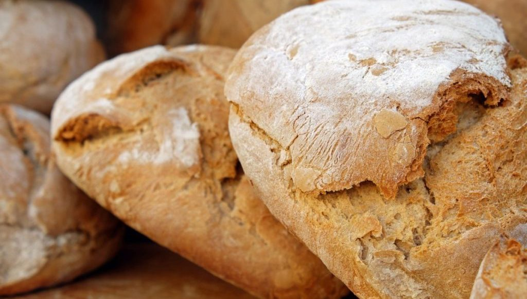 Vers brood, vooraanzicht