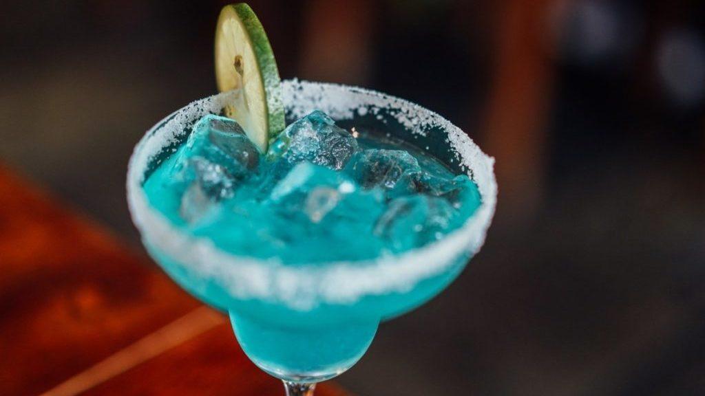 Blauwe cocktail