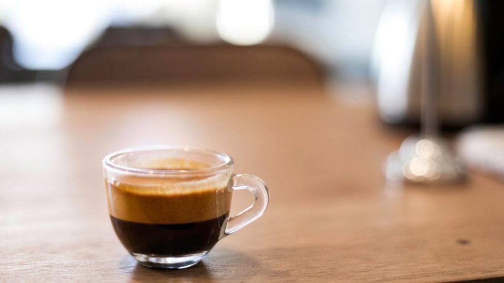 Espresso op tafel