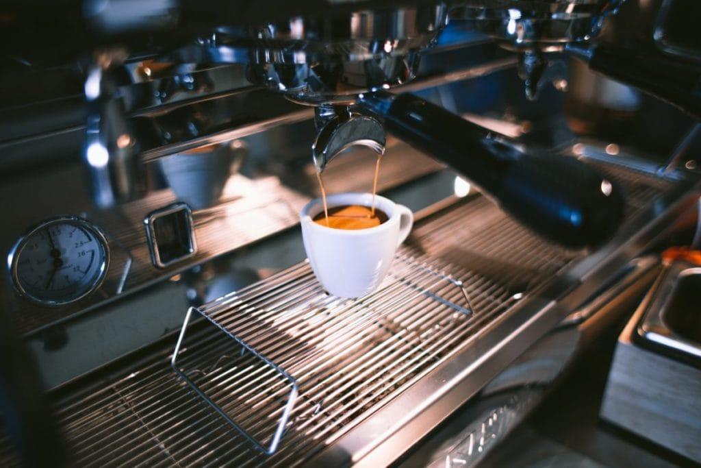 Hoe Bepaal Je de Perfecte Doorlooptijd voor Espresso?
