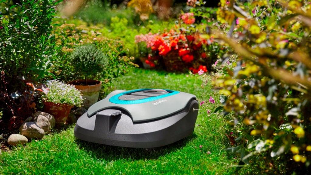 Robotmaaier in het gras