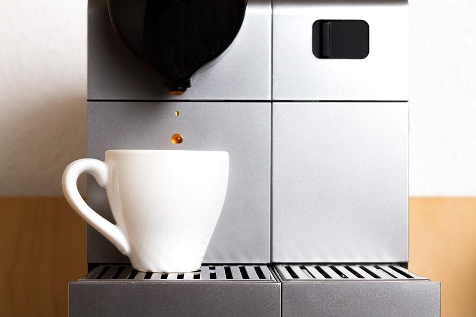 Nespresso Lekt Water in Bakje: Hoe Los je dit Op?