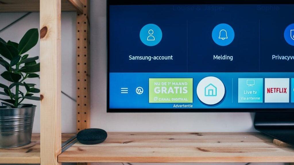 tv interface, in de kast