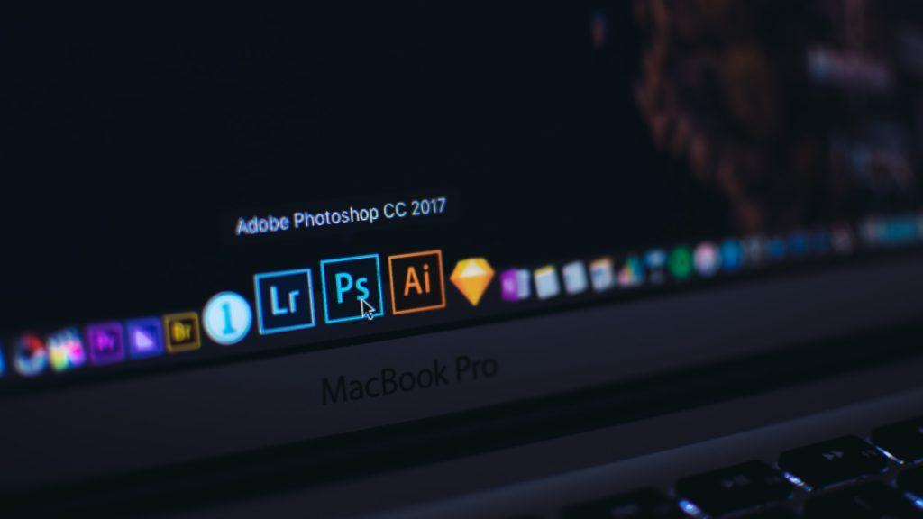 Photoshop apps op Macbook, vooraanzicht