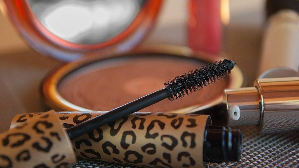 mascara borsteltje en spiegeltje