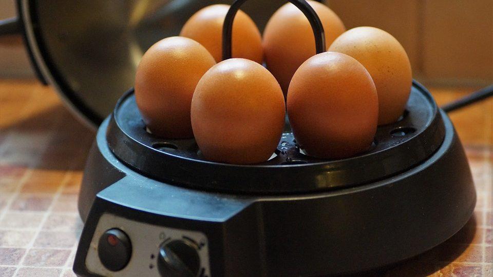 eieren in eierkoker