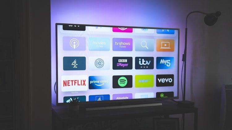 smart tv met mooi licht