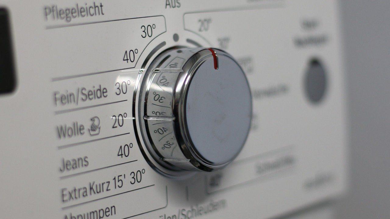Draaiknop op wasmachine