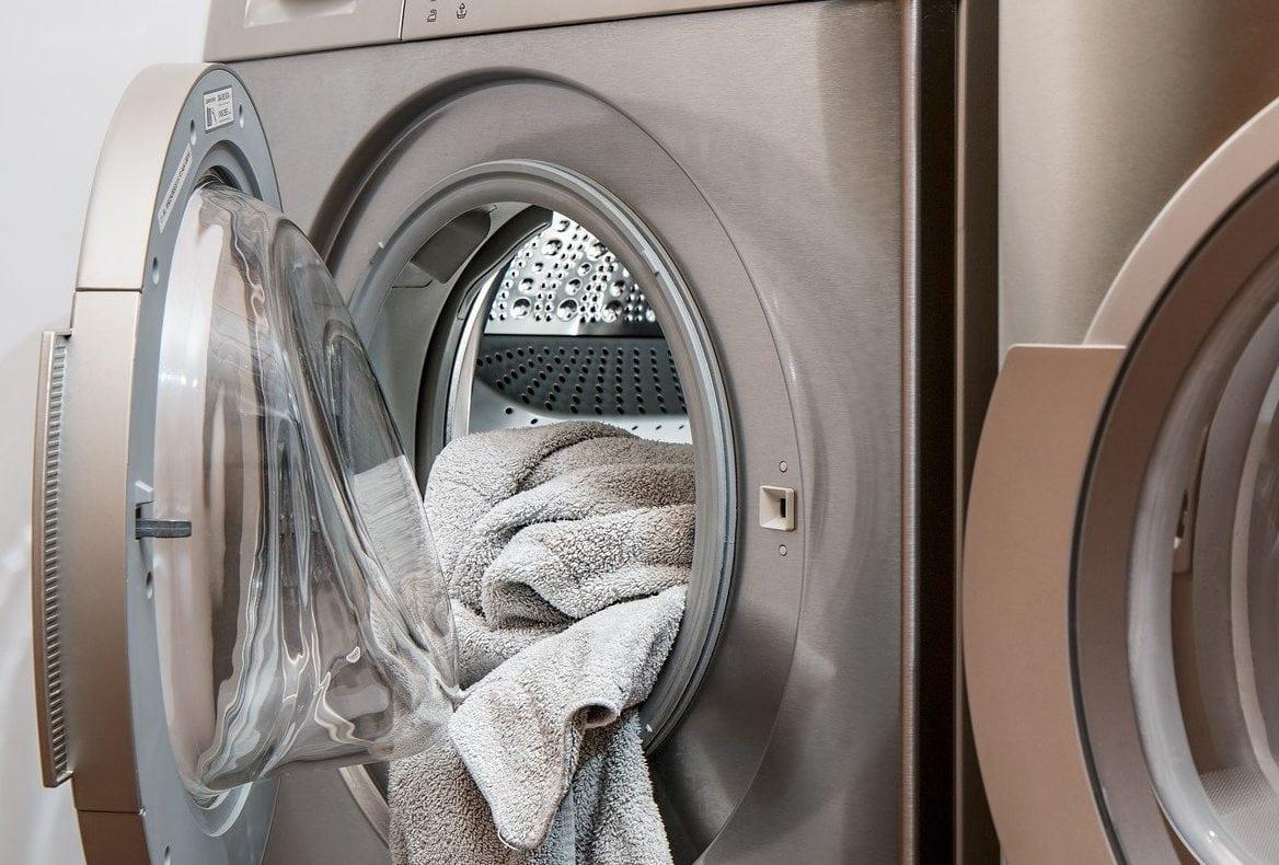 wasmachine met open deur